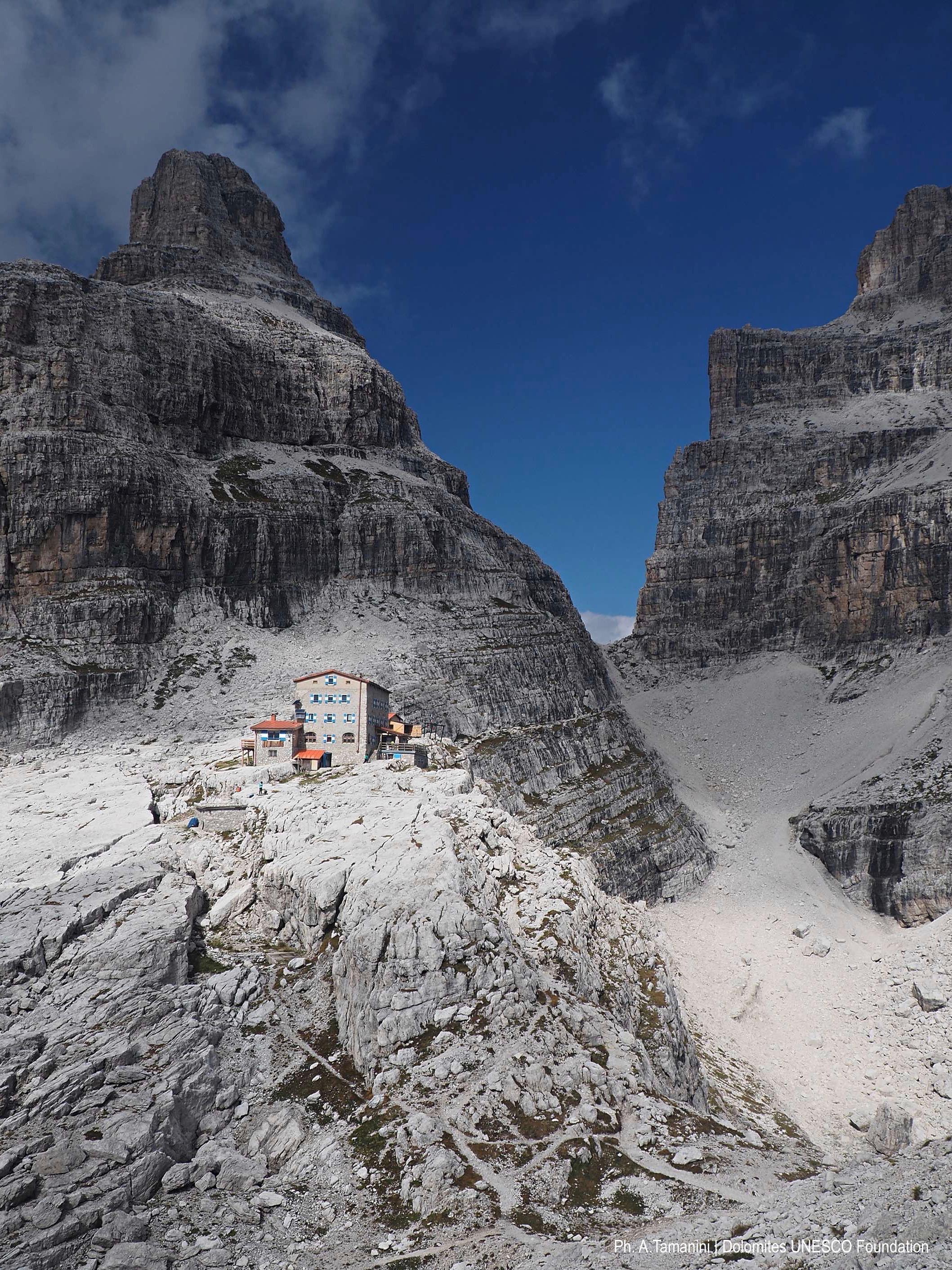 System 9 Dolomiti Di Brenta Dolomites Unesco