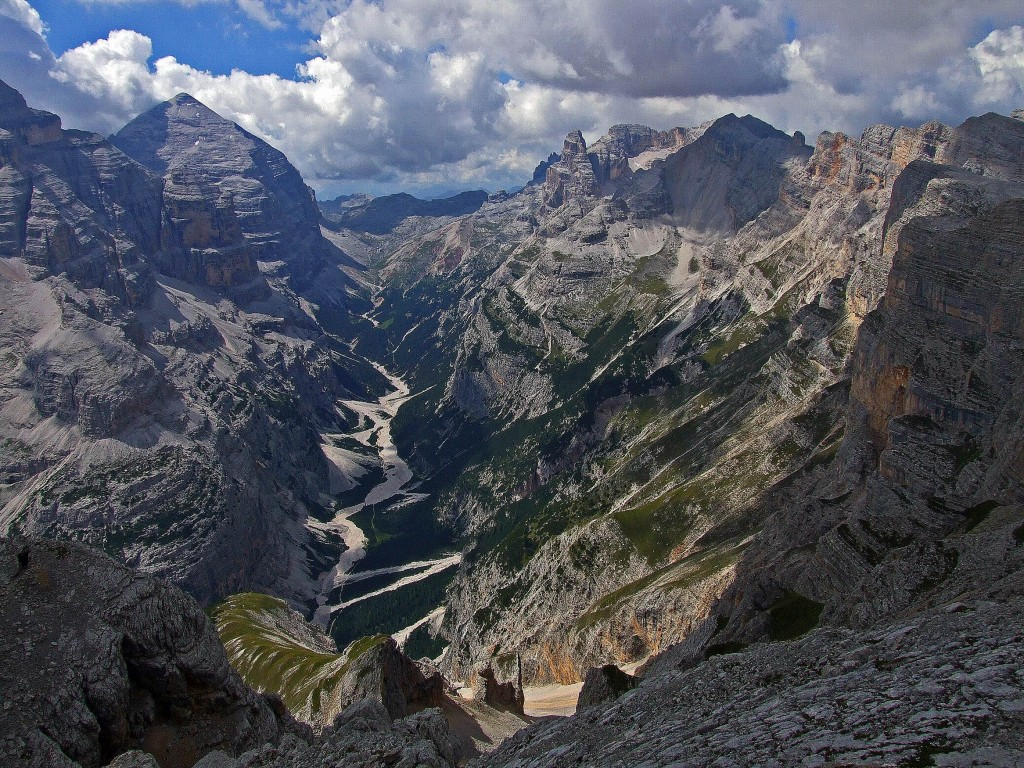 Val Travenanzes - Tofana a sinistra
